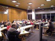 Die Einladung von dju in ver.di und Friedensmuseum Nürnberger zum Diskussionsabend wurde zahlreich angenommen.